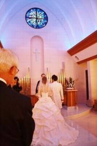 結婚式の服装で親族の女性が洋装の場合に気をつける事と準備